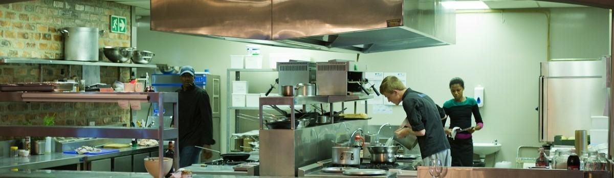 Wspólne gotowanie na 50 kuchni