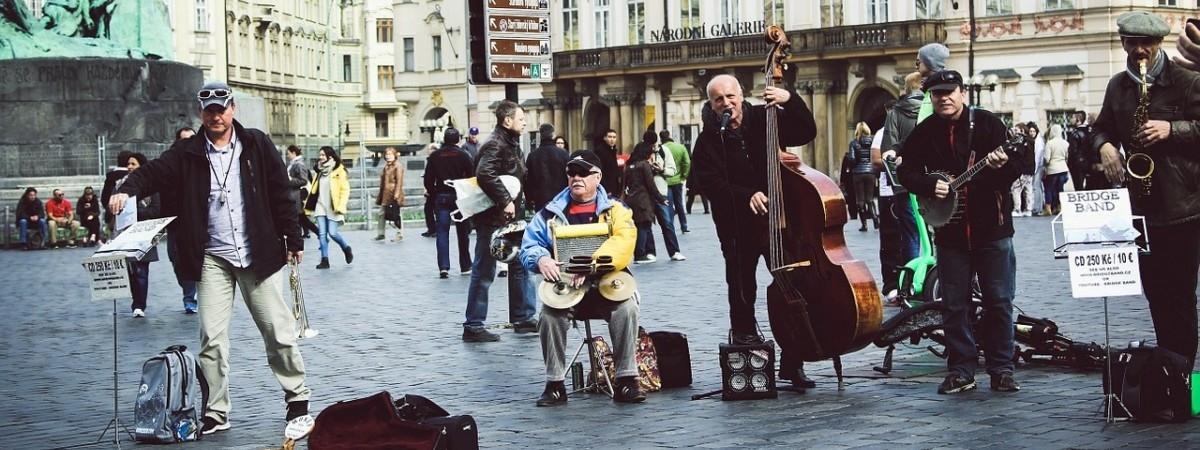 Moda na ulicznych muzyków