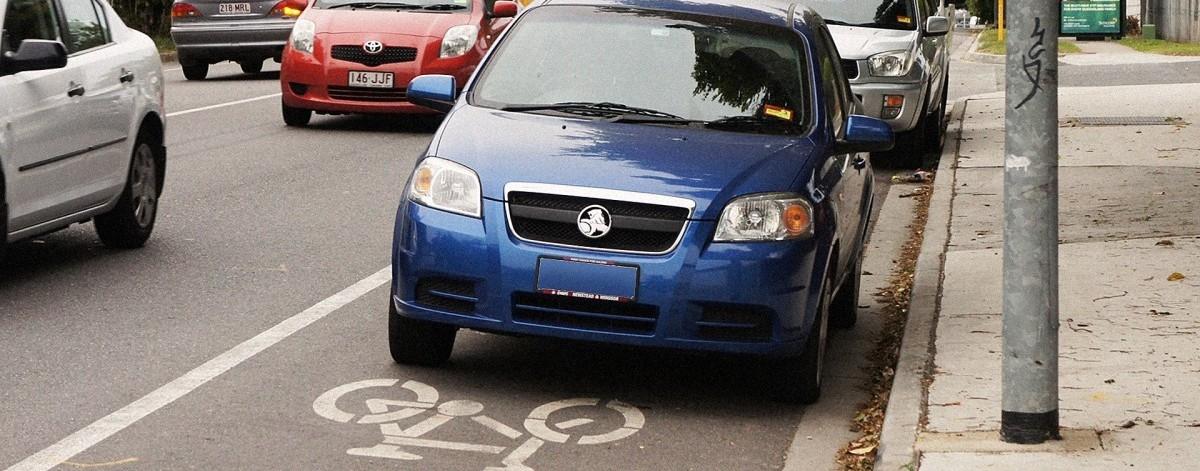 Jak za pomocą smartfona walczyć z źle parkującymi kierowcami