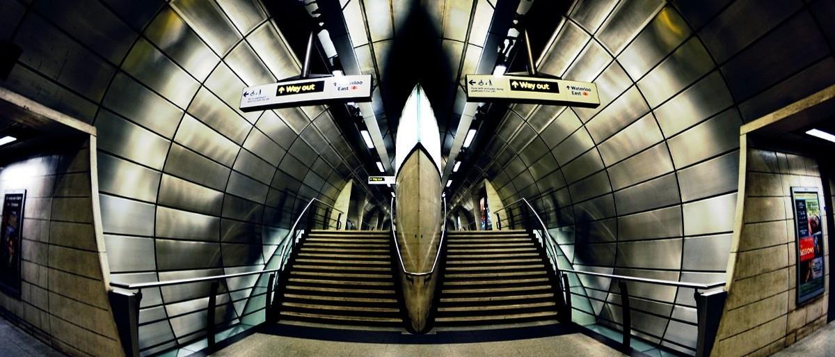 Wydostać się z metra