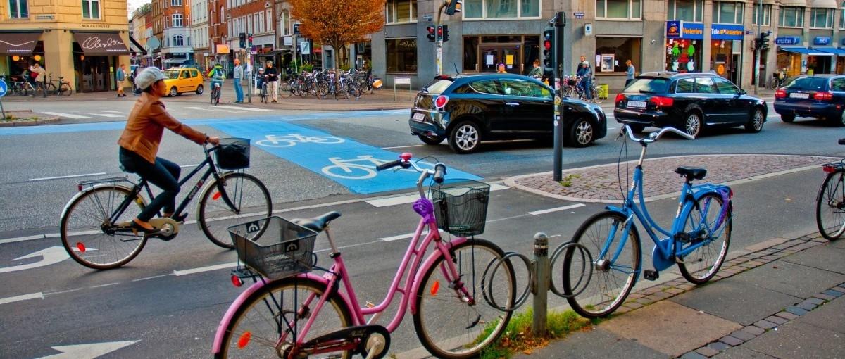 Wśród miejskich rowerzystów niewielu jest nawróconych kierowców
