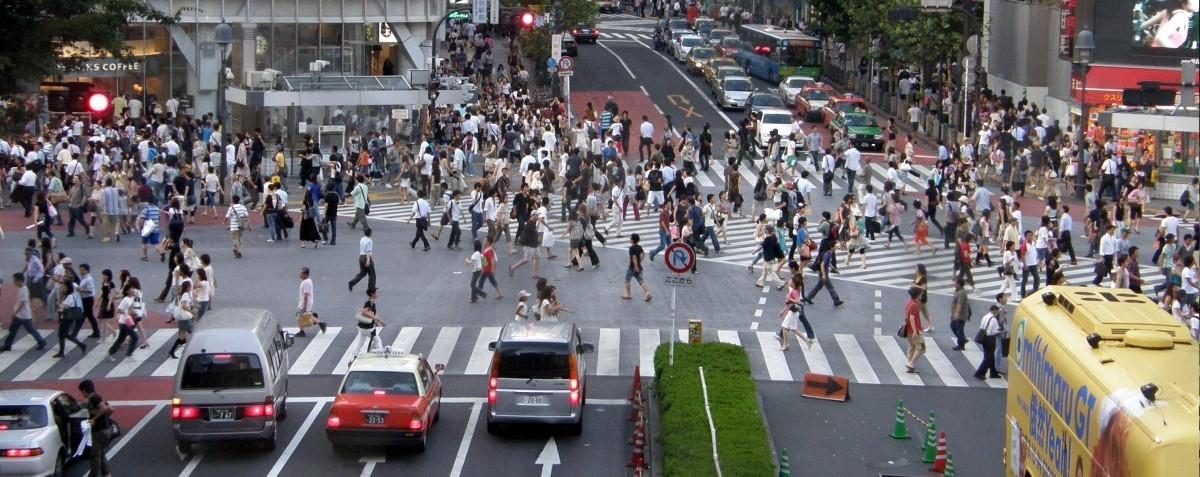 Tokio: miasto na szynach, gdzie pieszy czuje się bezpiecznie