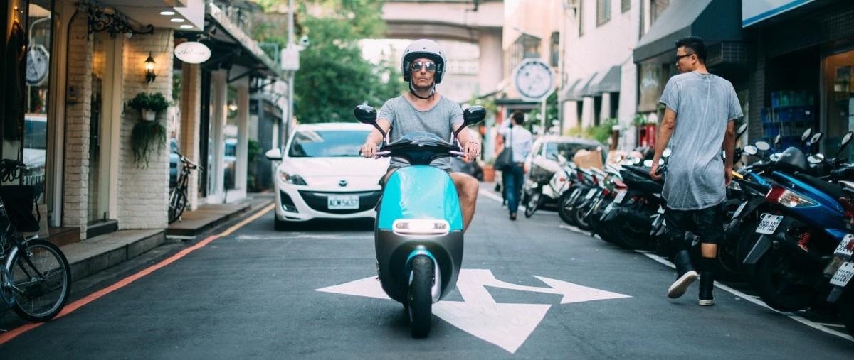 Elektryczne skutery Gogoro chcą zawojować Europę. Pierwszy cel: Amsterdam.