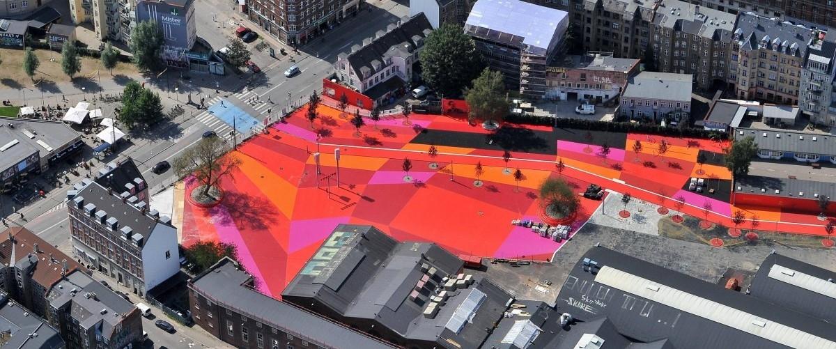 Suprekilen: kolorowa plama w środku miasta