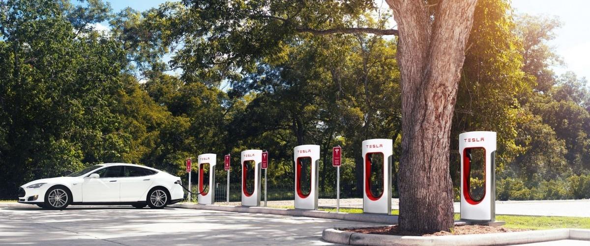 Na Stanfordzie wieszczą załamanie na rynku aut spalinowych