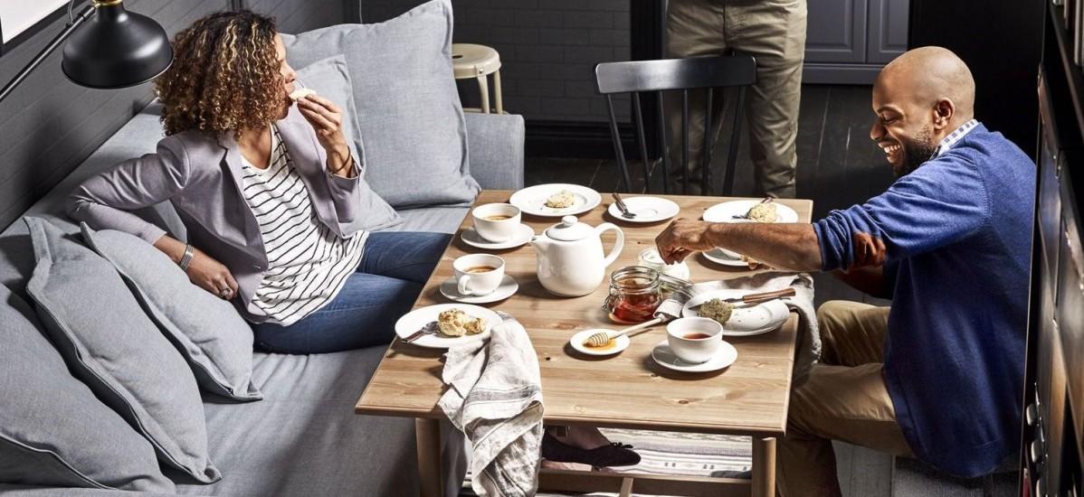 Katalog IKEA na rok 2017 pokazuje jak będziemy mieszkać w przyszłości: miejsca zrobi się znacznie mniej