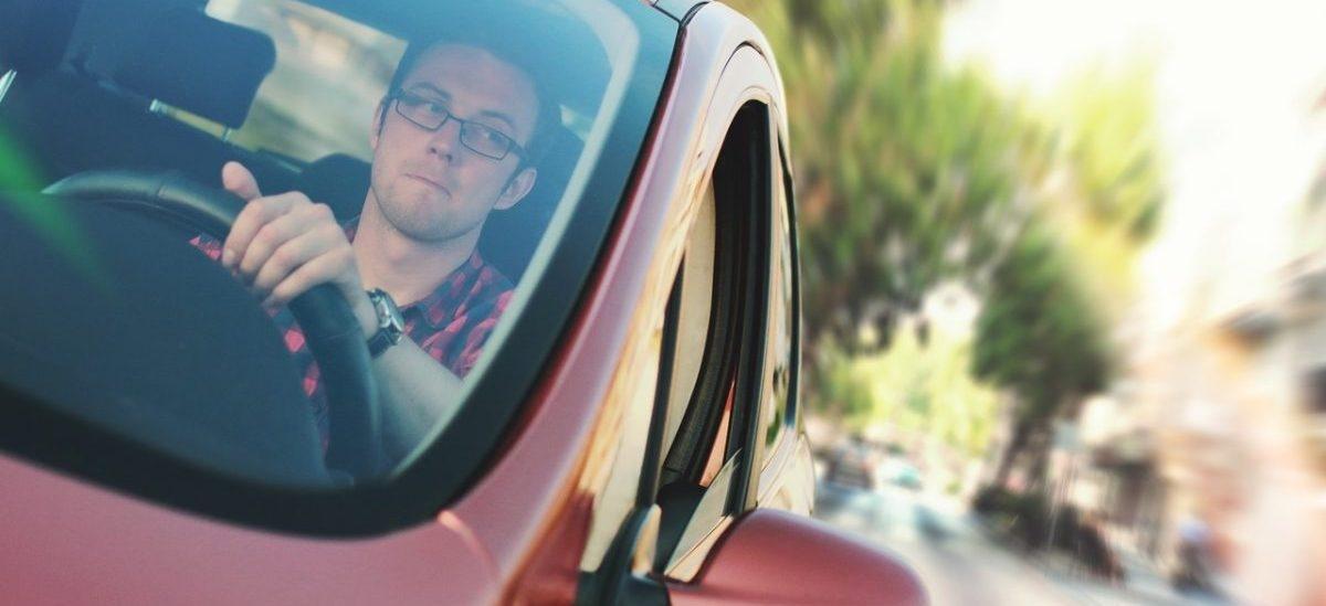 Autonomiczne auta dadzą kierowcom godzinę wolnego czasu dziennie. Co z nią zrobią?