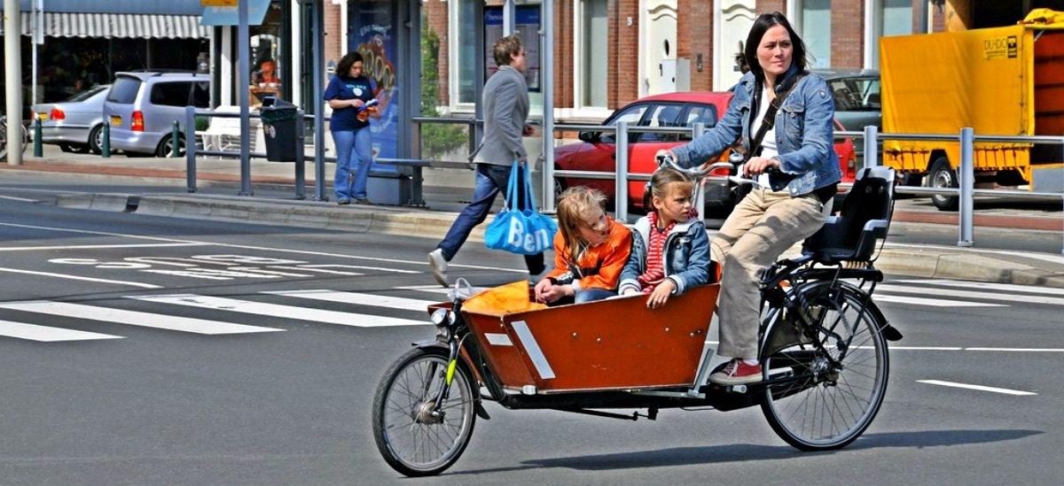 Rowery towarowe przebijają się na ulice polskich miast