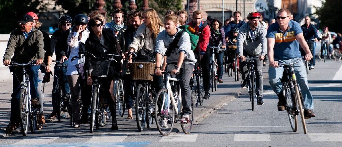 Z fotela w samochodzie na rowerowe siodełko Duńczycy przesiadają się z własnej woli