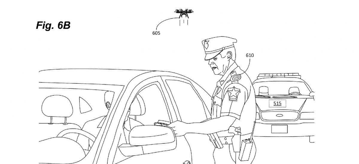 Mały dron siedzący na ramieniu będzie naszymi oczami