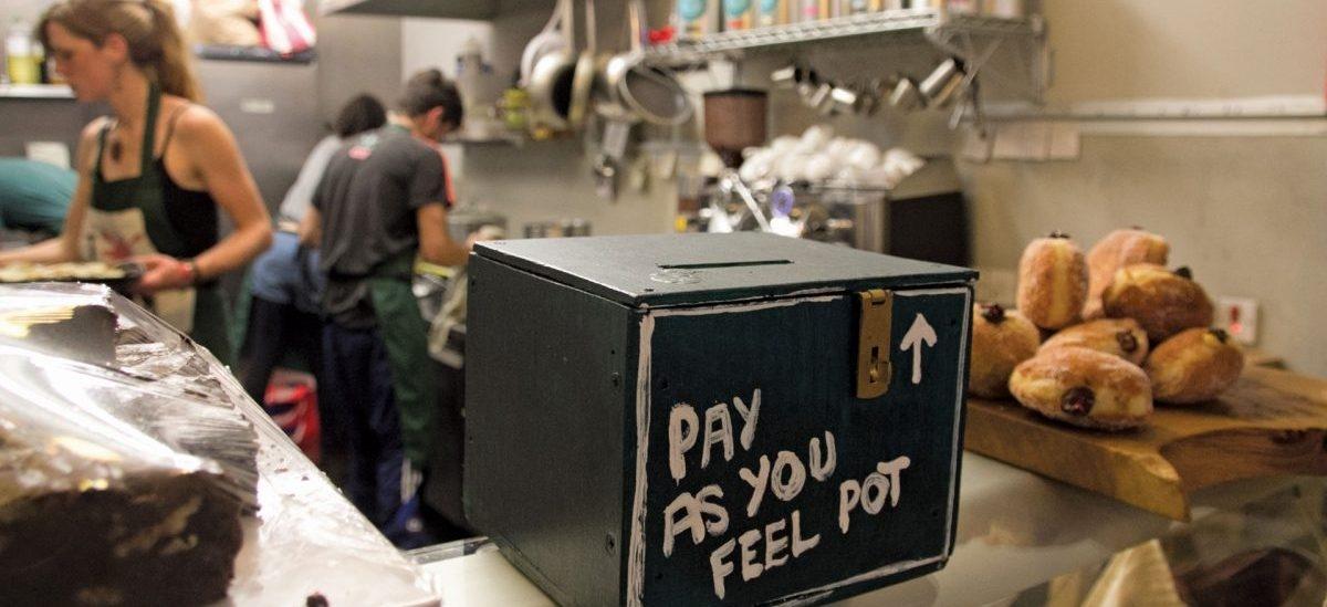 Dobre, przeterminowane jedzenie, za które płaci się wedle uznania