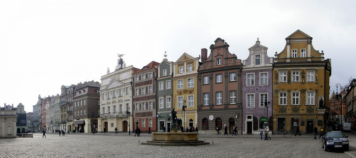 Strefa uspokojonego ruchu wokół poznańskiego rynku rodzi dyskusje
