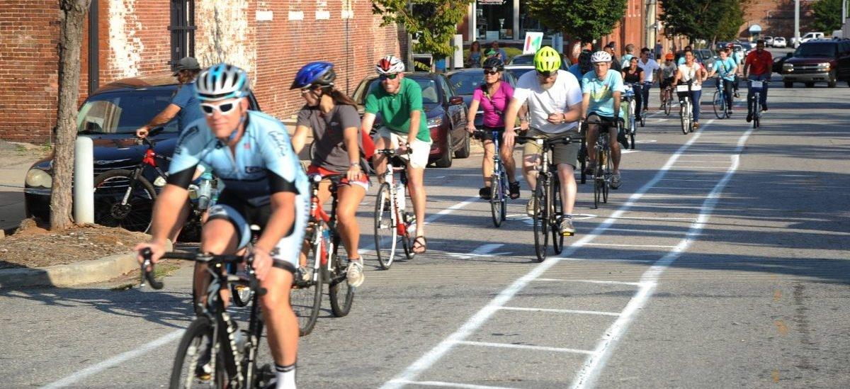 Tymczasowe drogi rowerowe udowadniają, że mieszkańcy ich potrzebują