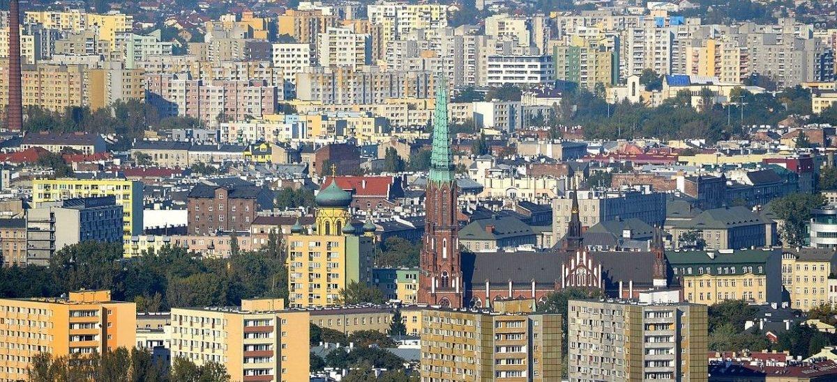 Miasto żwawiej zaangażuje się w warszawski rynek mieszkaniowy