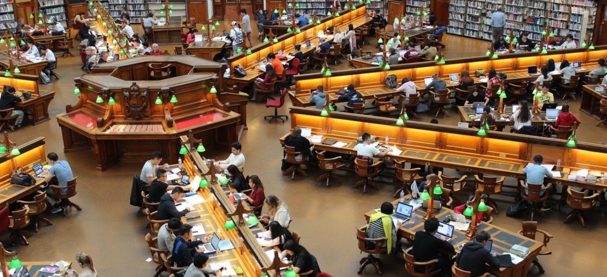 Millenialsi to pokolenie, które najbardziej lubi biblioteki