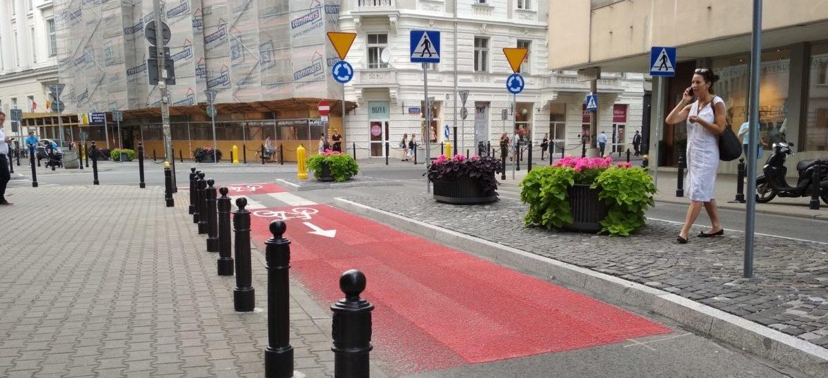 Zbędna sygnalizacja świetlna znika z ulic polskich miast