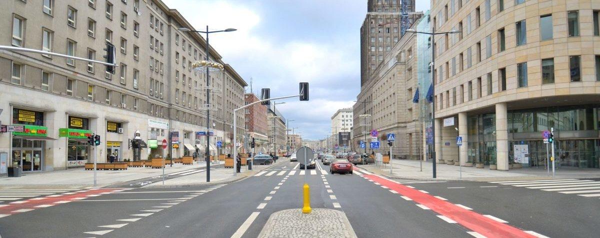Dzięki likwidacji miejsc parkingowych ulice znów tętnią życiem