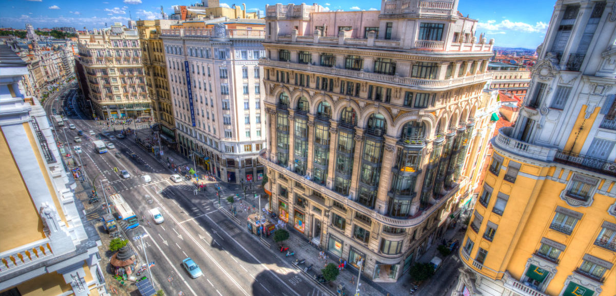 Aż 63 proc. Hiszpanów chce się pozbyć samochodów z centrów miast