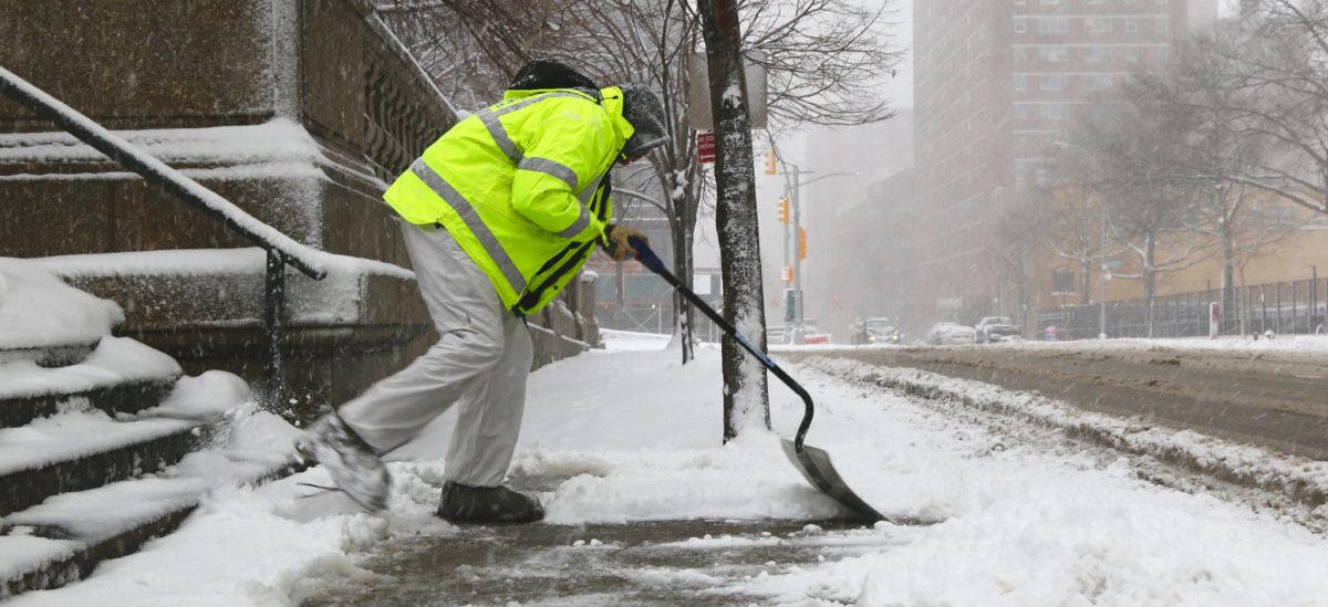 W Szwecji najpierw odśnieżają chodniki, a potem ulice