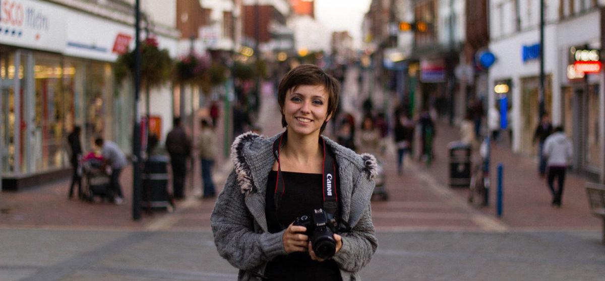 Dlaczego idąc ulicą warto się uśmiechać