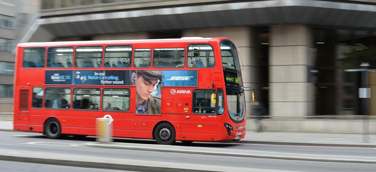 Londyńskie autobusy jak ich pasażerowie: napędzane kawą