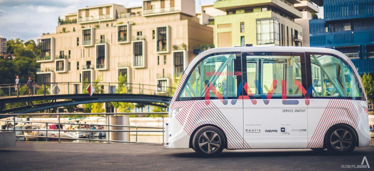 Mieszkańcy polubili autonomiczne minibusy