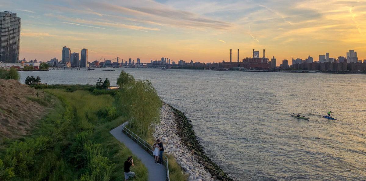 W Nowym Jorku na miejscu starej drukarni stworzono park, który chroni miasto przed powodzią