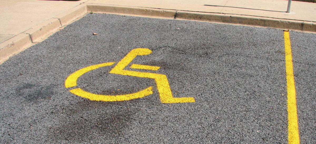 Inteligenty parking zabezpieczy miejsca dla niepełnosprawnych