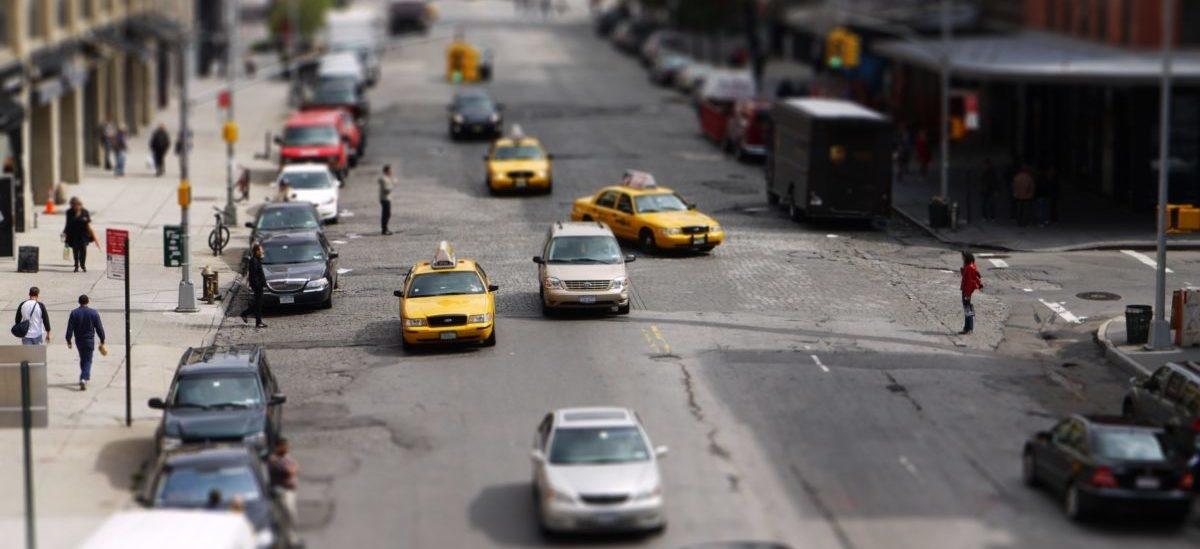 W Nowym Jorku progi zwalniające sprawdzają się też na skrzyżowaniu