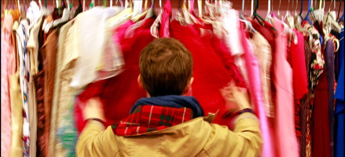 Firmy odzieżowe muszą zająć się odzyskiem ubrań