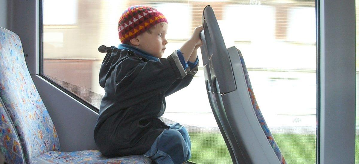 Darmowy transport publiczny dla dzieci robi się standardem