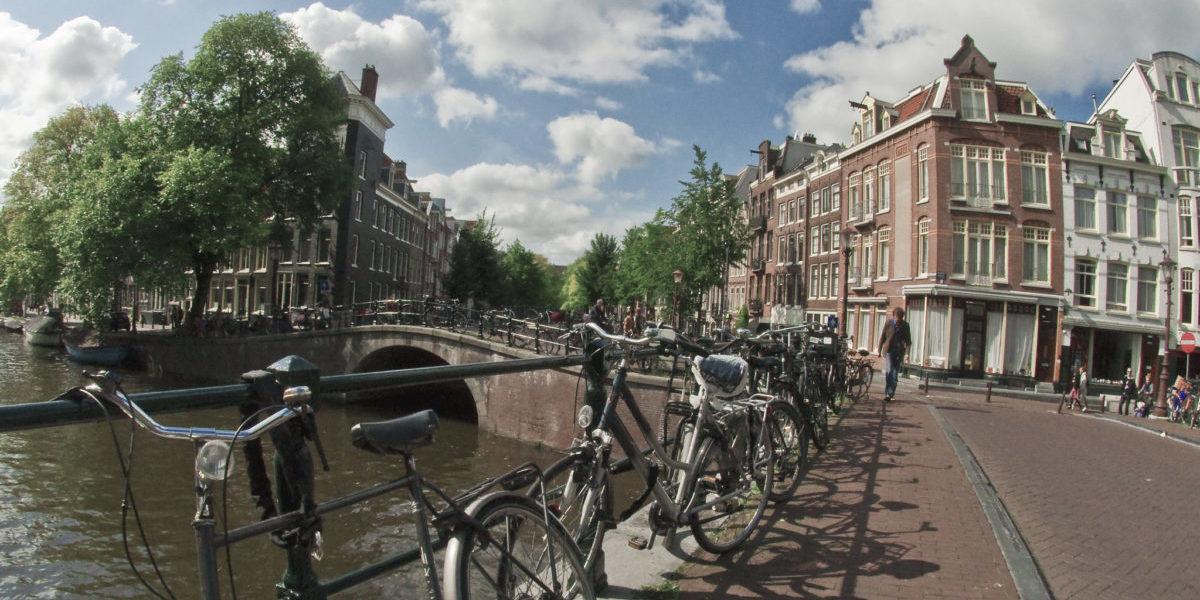 Z Amsterdamu ma zniknąć 10 tys. miejsc parkingowych