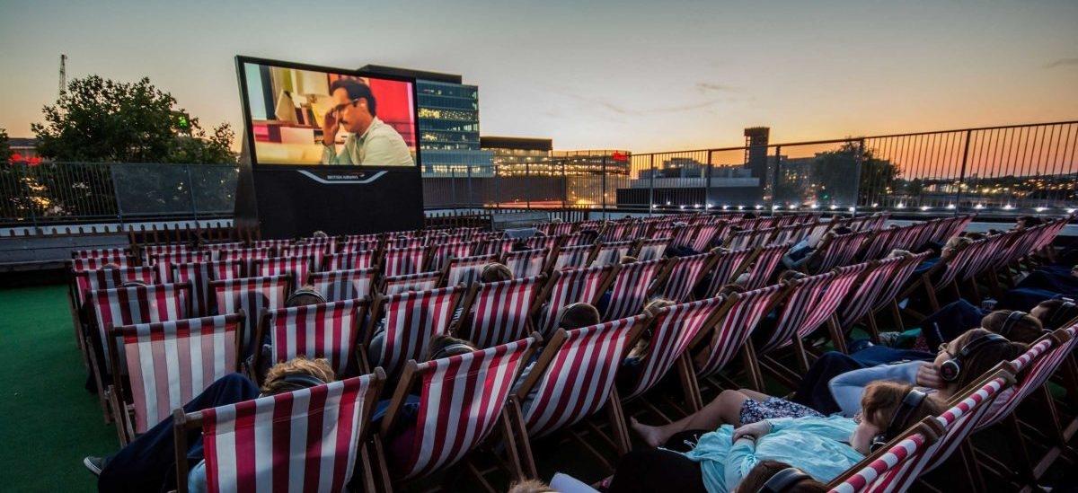 Letnie kina zawędrowały na dach