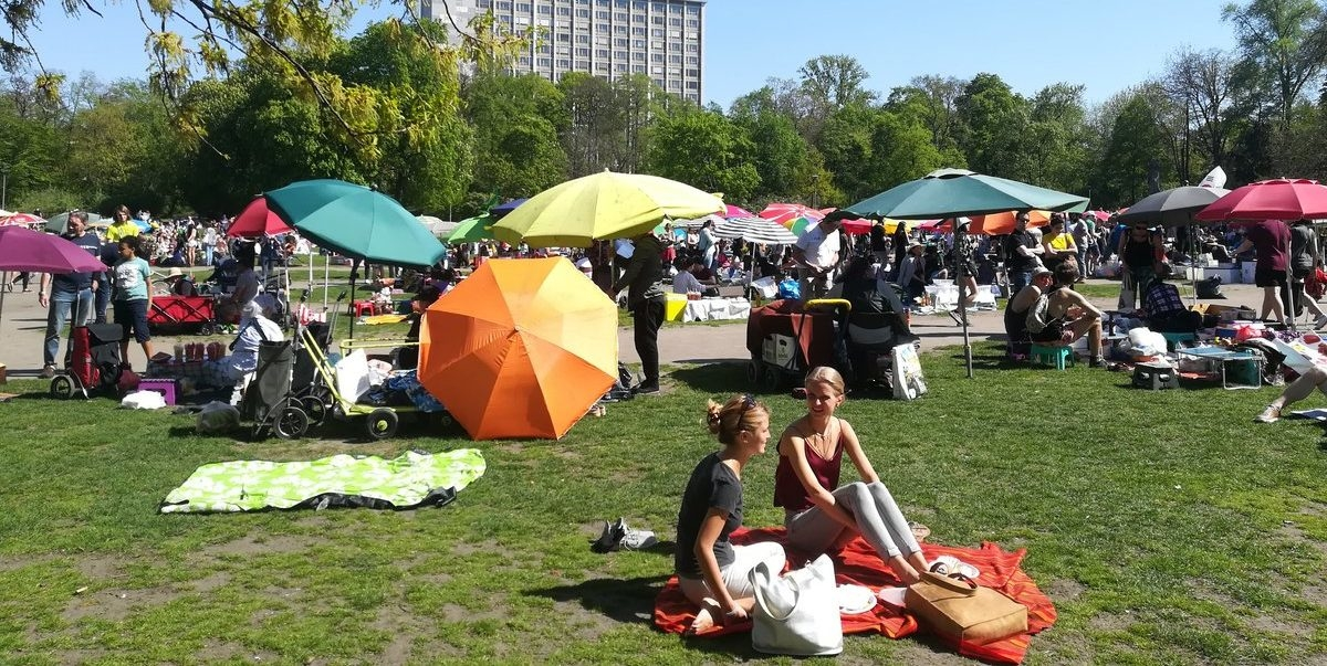 Berliński park zaczął tętnić życiem, kiedy mieszkańcy zaczęli tam spontanicznie gotować i raczyć się tajską kuchnią