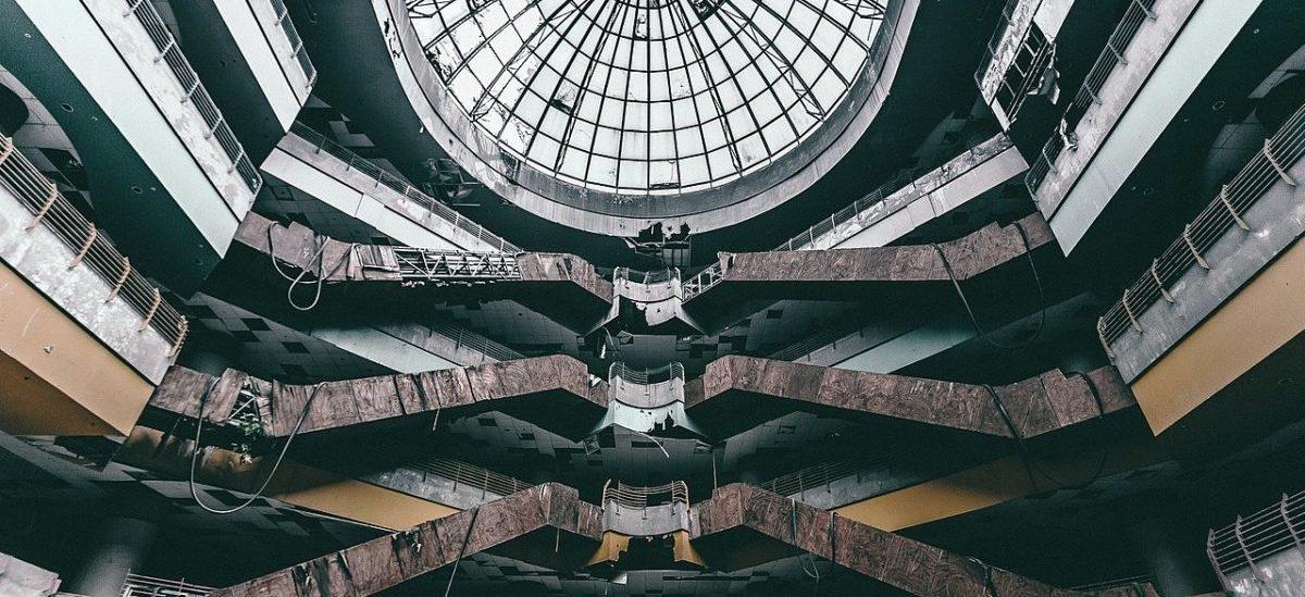 Stare centra handlowe dostają nowe życie