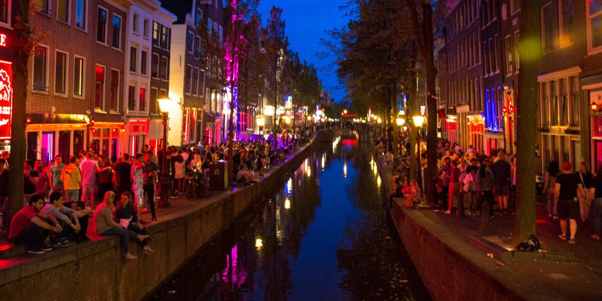 Nowa burmistrz Amsterdamu wzięła się za uporządkowanie dzielnicy czerwonych latarni
