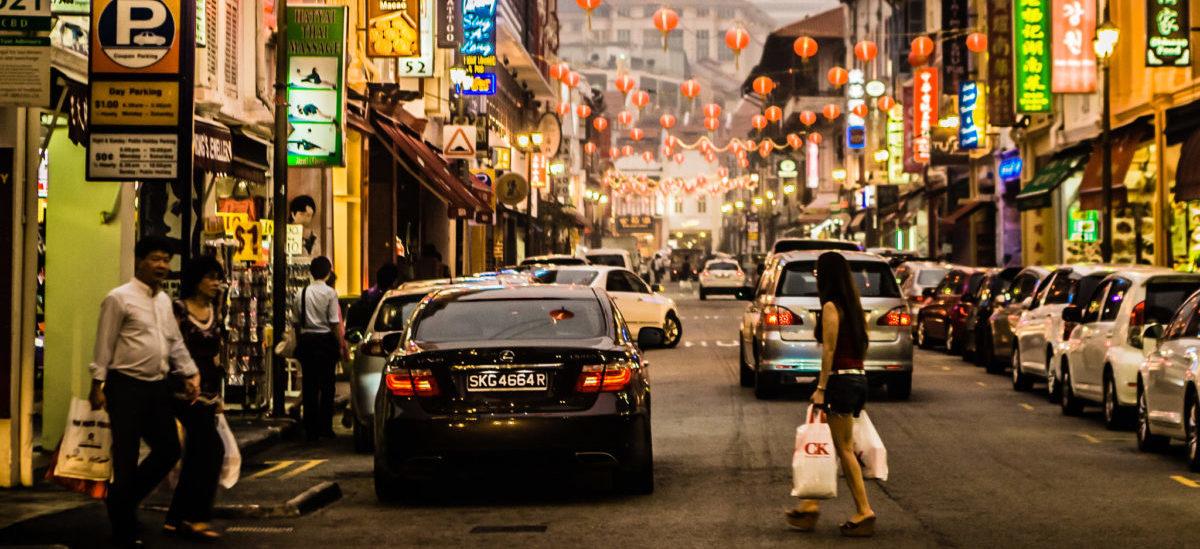 Singapur zamiast samochodów elektrycznych promuje transport publiczny
