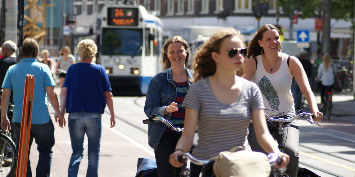 Promując ruch rowerowy nie możemy zapominać o pieszych