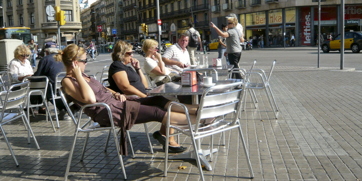 W Barcelonie walczą o kawiarniane ogródki
