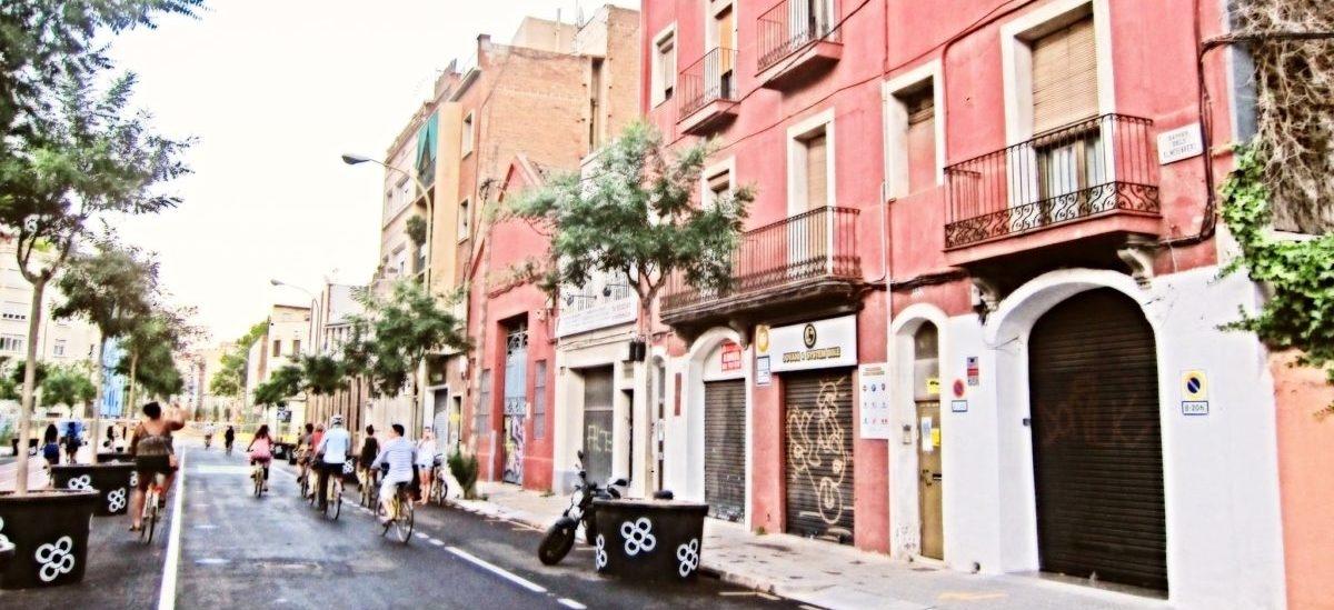 Superkwartały bez aut uratują w Barcelonie 667 ludzi rocznie