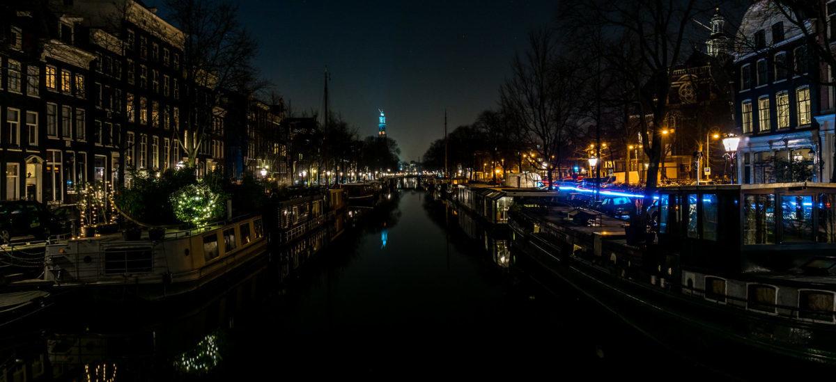 Holendrzy gaszą światła na noc